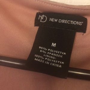 new directions Tops - New directions Pale pink medium